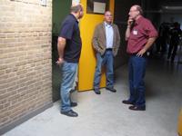 deur studiezaal flat A, Wiebe in gesprek met Roland en